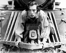 """Buster Keaton In The 1926 Film """"The General"""" - 8X10 Publicity Photo (Mw185)"""