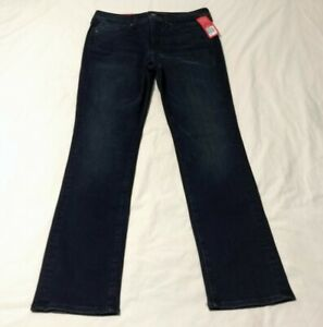 NWT SPANX 5 Pocket Straight Jeans Size 31
