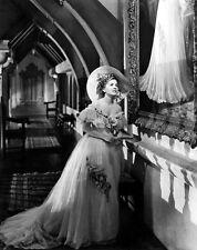 Joan Fontaine UNSIGNED photo - C192 - Rebecca