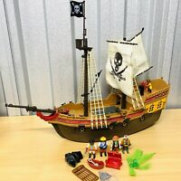 2011 PLAYMOBIL Large Pirate Ship 5135 w/5 Figures & More