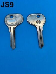 2 x 3.5mm Fiat Alfa Detomaso Ferrari Iveco Moto Guzzi X1/9 Key Blank 809