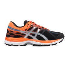 Scarpe sportive arancione in rete di gomma