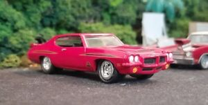 * 1/64 * Johnny Lightning * 1971 Pontiac GTO Judge * Muscle Cars 3 Release 6 *