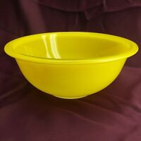 Pyrex Clear Bottom #323 1.5 Quart Glass Mixing Bowl - Yellow (5D2)