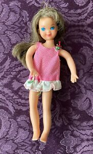 Mattel - 1965 Barbies Tiny Sister Tutti, Original Outfit Brunette - Posable