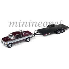 JOHNNY LIGHTNING JLCP7085 A 1996 DODGE RAM & CAR FLATBED TRAILER 1/64 BURGUNDY