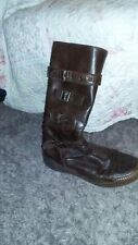 Bottes en cuir marron: taille 37