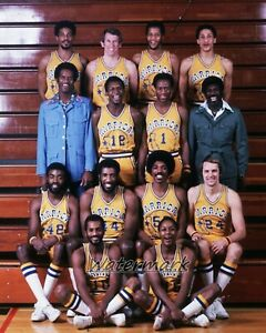 NBA 1975 - 76 Golden State Warriors Team Picture Color 8 X 10 Photo Picture