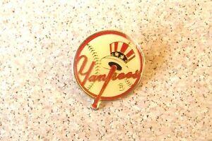 1985 NY New York Yankees round logo lapel pin MLB c36855