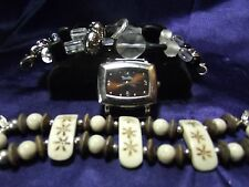 Woman's Bumbles Watch & 2 Beaded Bands **Brown & Black**Vintage** B77-B089