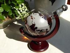 Designer Wein Karaffe Globus Weltkarte Dekanter Geschenkflasche auf Holzständer