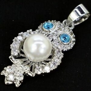 Beautiful Pendant IN Shape Owl Stones Topaz Swiss , Pearl And Zirconia White