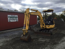2006 New Holland Eh35B Hydraulic Mini Excavator w/ Thumb Only 2000 Hours!