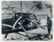 1939 Horrific Accident Pipe Penetrates Auto Rim of World Highway CA Press Photo