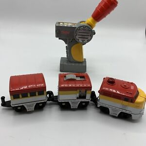 GeoTrax Pacific Chief Cars Engine Remote Control Train Red Yellow tested!