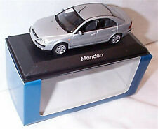 Ford Mondeo MK3 4dr 2000 Silver 1-43 scale Minichamps new in Case boxed