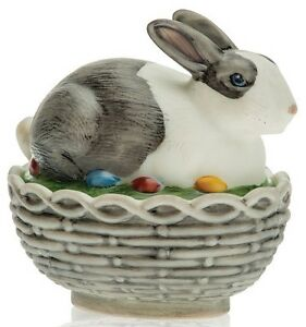 Bunny Rabbit on Basket Covered Dish - Mosser USA - Black & White Antiqued Glass