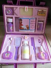 Valise de soins poupée, jamais servi, années 80, Miss Caroline - Cavahel Vintage