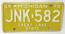 car license plates 1970 michigan auto tin vintage JNK 582  great lake state