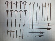 Konvolut Merten 33 Waffen für Landsknechte Armbrüste usw. Figuren 4cm