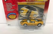 2005 Ford GT  WHITE LIGHTNING Johnny Lightning Classic Gold 1/64 Limited Edition