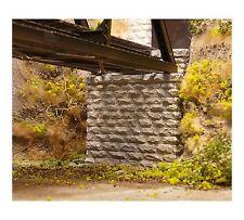Chooch (N-Scale)  #9840 Single Cut Stone Bridge Abutment - Pkg (2) - NIB