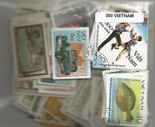 Lot de 300 timbres du Vietnam