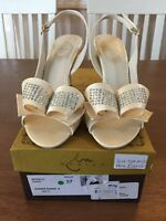 Champagne Heels With Diamanté Bow Detail New By Marian Size 4 Eu37