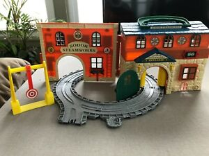 Thomas & Friends Take Along - SODOR Steamworks Car Wash, Learning Curve, 2003