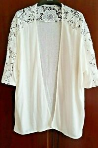 NEW - Pretty EDGE to EDGE  : LACE DETAIL :ENCUENTRO (SPANISH) : LARGE / XL