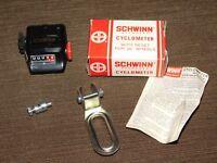 """VINTAGE OLD BICYCLE SCHWINN CYCLOMETER WITH RESET FOR 26"""" WHEELS UNUSED IN BOX"""