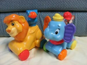 Fisher Price Disney Dumbo and Lion Link Push Roll Musical Toy Amazing Animals