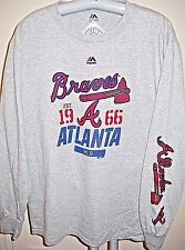 ATLANTA BRAVES UNISEX ADULT MEDIUM ( M ) LONG-SLEEVE TEE-SHIRT WITH SLEEVE PRINT