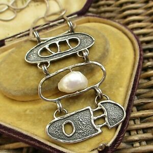 LOVELY ABSTRACT STERLING SILVER NECKLACE WITH FRESHWATER PEARL