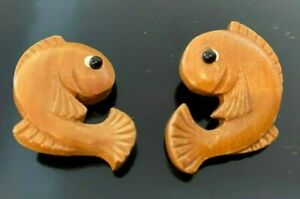 """Vintage 1930s 1 1/8 X 1.5"""" `Wood Hand Carved Fish Buttons 1pc Made in USA"""