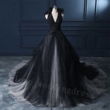 Gothic Halter Black&White Wedding Dresses Count Train Vintage V Neck Bridal Gown