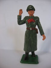 1/32 65 mm STARLUX  SOLDAT ALLEMAND GENERAL SALUANT