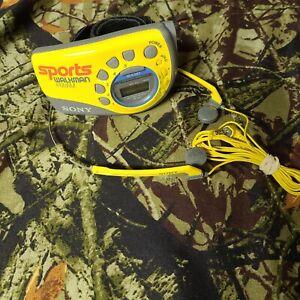 Sony SRF-M78 Sports Walkman FM/AM Wrap Around Arm Band Radio MDR-W14 Headphones