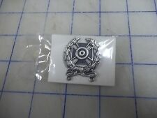 military vietnam date 1970 NIP badge qualification expert 1/20 silver filled