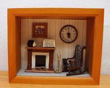 Vintage Miniatur Puppenstube Schaukasten Wohnzimmer Glas Vitrine Alt.