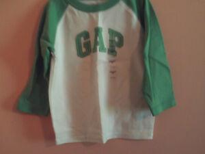 NWT baby Gap boy white raglan style t-shirt w/green sleeves & logo; size 12-18m