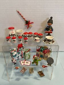 Vintage Artisan Christmas Decor Dishes & Decorations Dollhouse Miniature 1:12