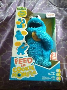 Sesame Street Feed Me Vibrating Talking Cookie Monster New in Box