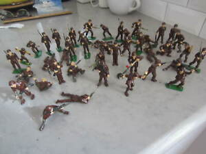 44 Vtg Army Painted Plastic Toy Soldiers w Weapons Grenades Mine Sweeper