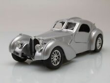 Bugatti Atlantic 1936 PLATA, Coche Modelo 1:24 / BURAGO