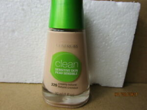 Clean Sensitive Liquid Foundation - #220 Creamy Natural  by CoverGirl - 1 oz