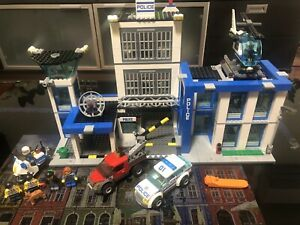 Lego City 60047 - Police Station 100% Complete With Instructions