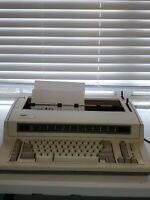 IBM 6781-024 Wheelwriter 1000 by Lexmark Electric Typewriter Great Condition