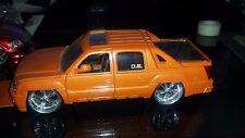 Jada Toy Dub City Dubshop 2001 Chevy Avalanche Diecast Model Kit  1/24