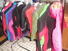Textillen aller Art für Damen und Herren und Kinder. Jacken Hosen T.shirt
